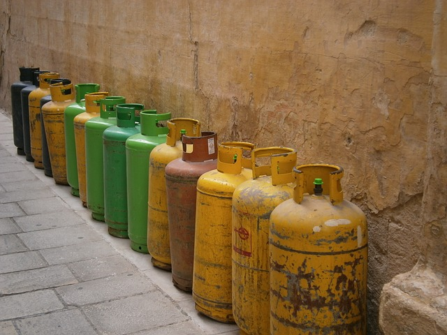 a lot of gas cans you shouldn't put in storage.