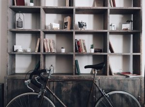 Bicycle against shelves - to protect your stored property against cold, keep everything on shelves