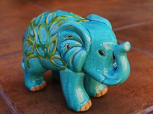 a sculpture of a blue elephant