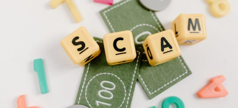 letters scam with money