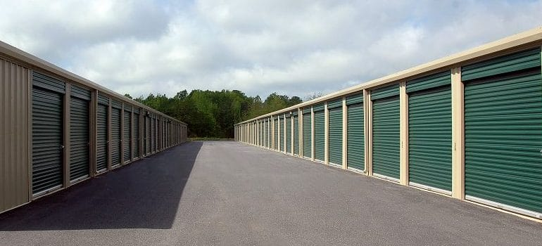 one of the best storage tips - choosing an appropriate unit size