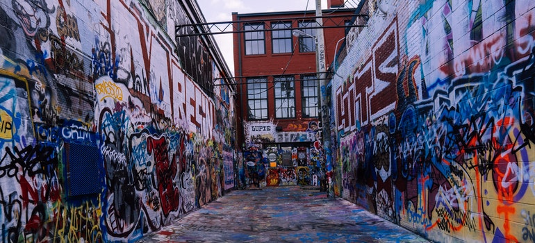 When talking about the US cities for artists, Baltimore is usually at the top of the list